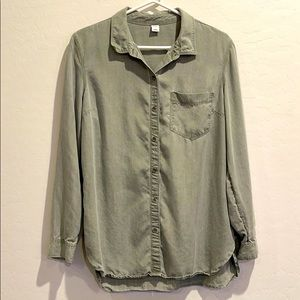 Old Navy Button Down Top Large